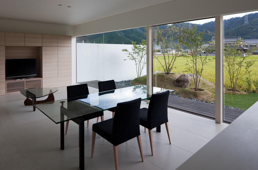 FLAT II: Living room