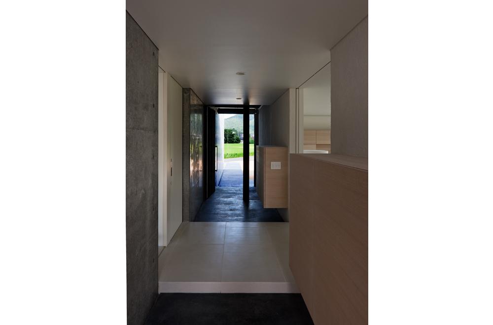 FLAT II: Entrance