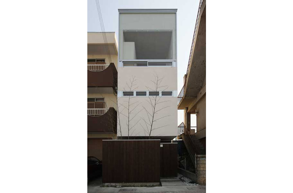 HOUSE IN AKASHI: Facade