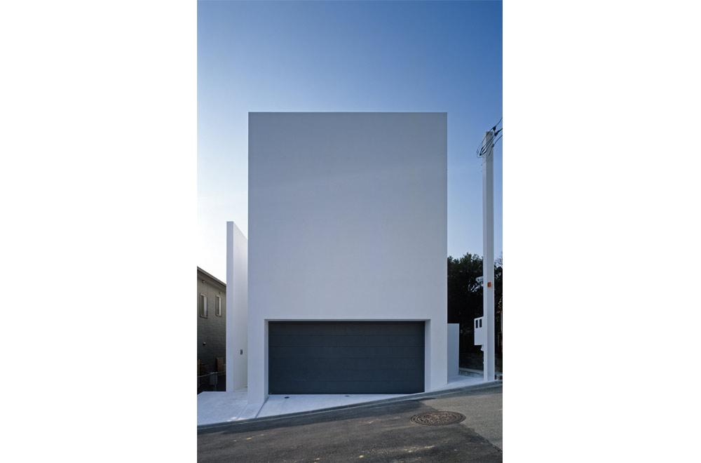 HOUSE IN MUKOYAMA: Facade