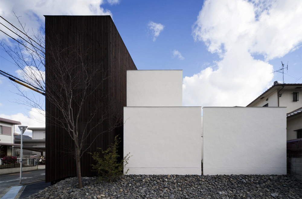 HOUSE WITH A LOUVER TOWER: Appearance