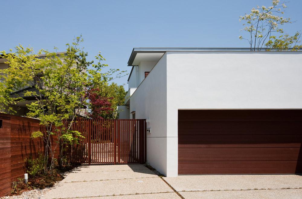 GARDEN HOUSE: Entrance