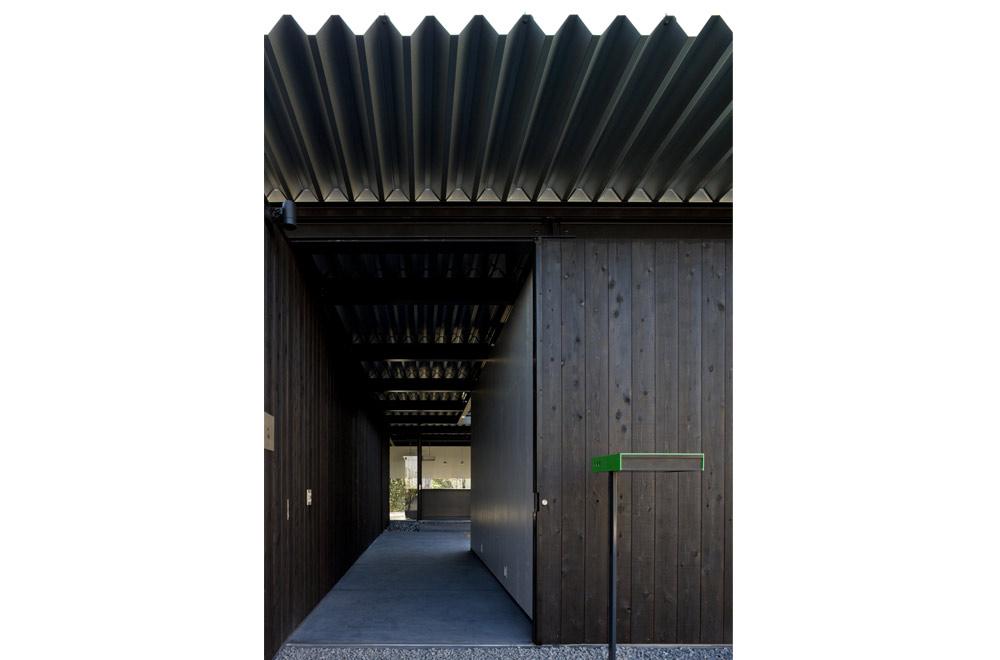 FLAT I: Entrance