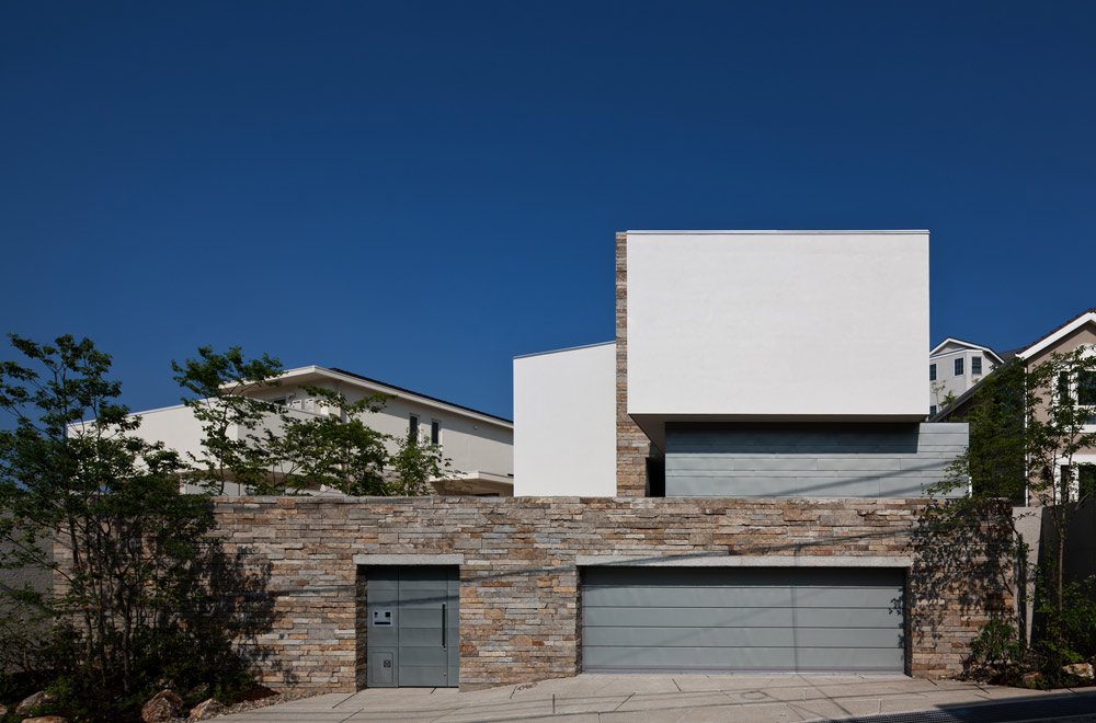 G-HOUSE: Facade