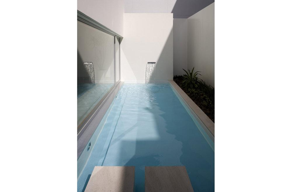 ORITA CLINIC: Courtyard