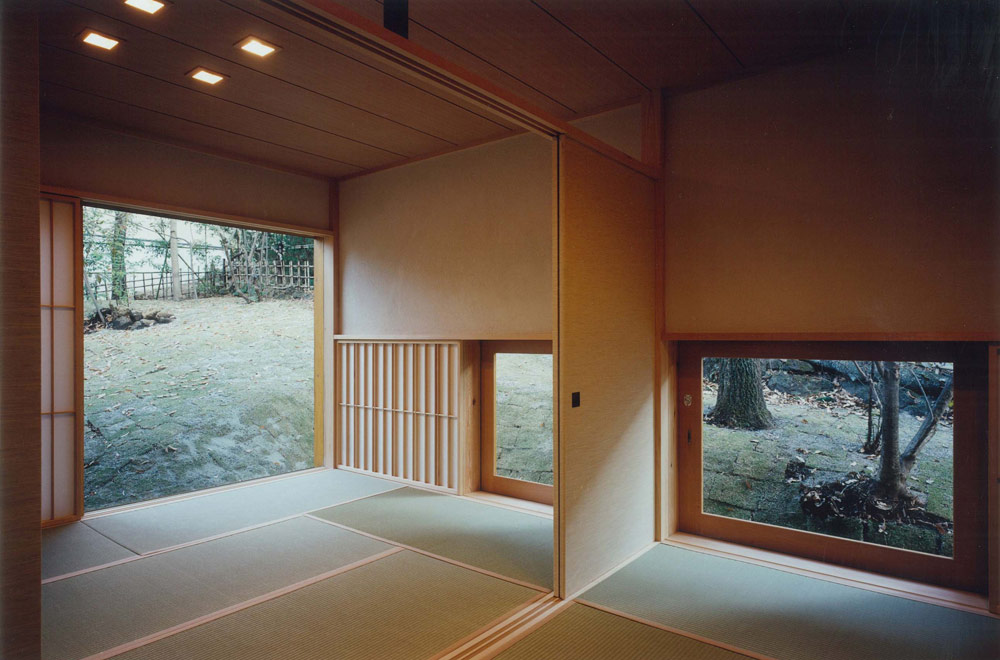 HOUSE IN IZU: Japanese-style room