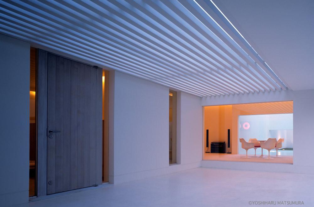 LIAISON HOUSE: Entrance