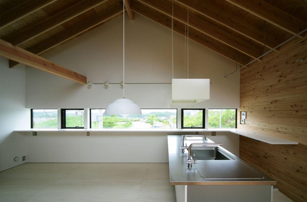 HOUSE IN KOUZUDAI: Attic