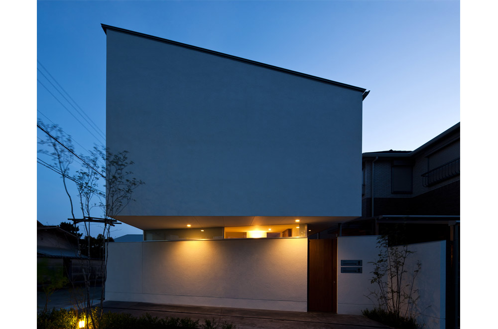 SLIT: Facade (in the night)