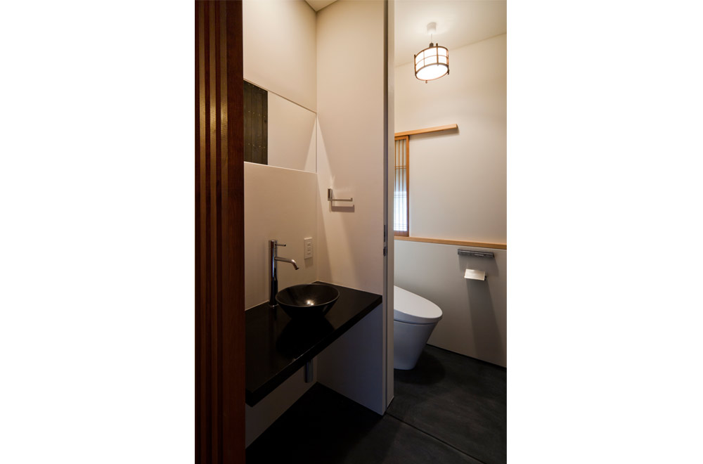 TSUNAGU: Toilet
