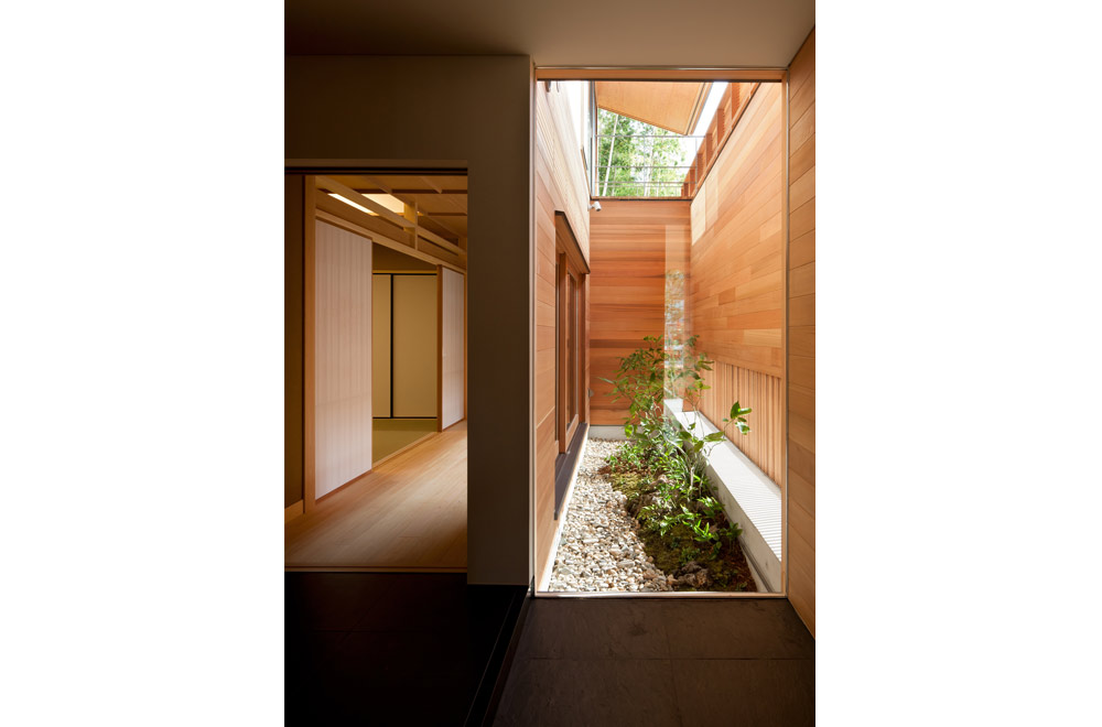 KANCHIKUSOU: Courtyard