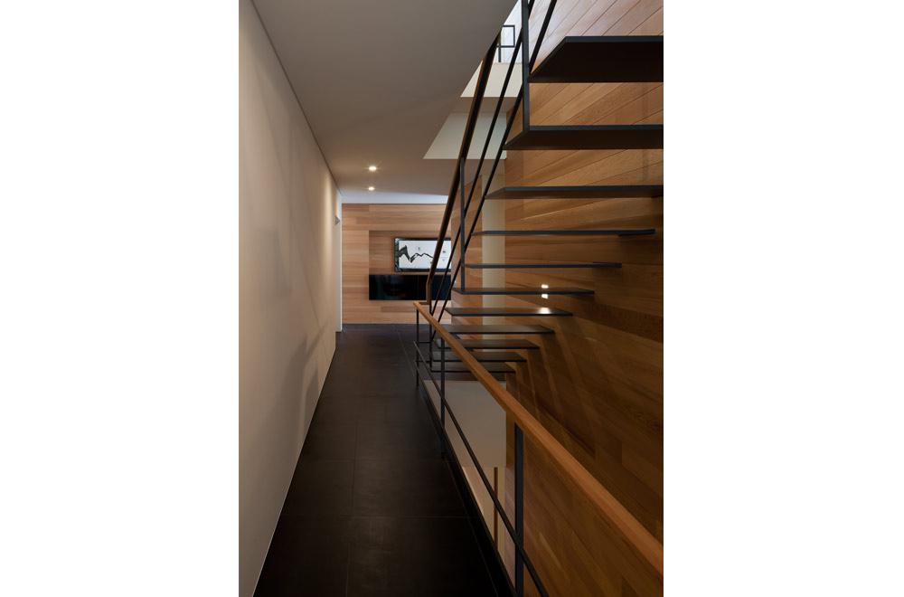 KANCHIKUSOU: Mezzanine
