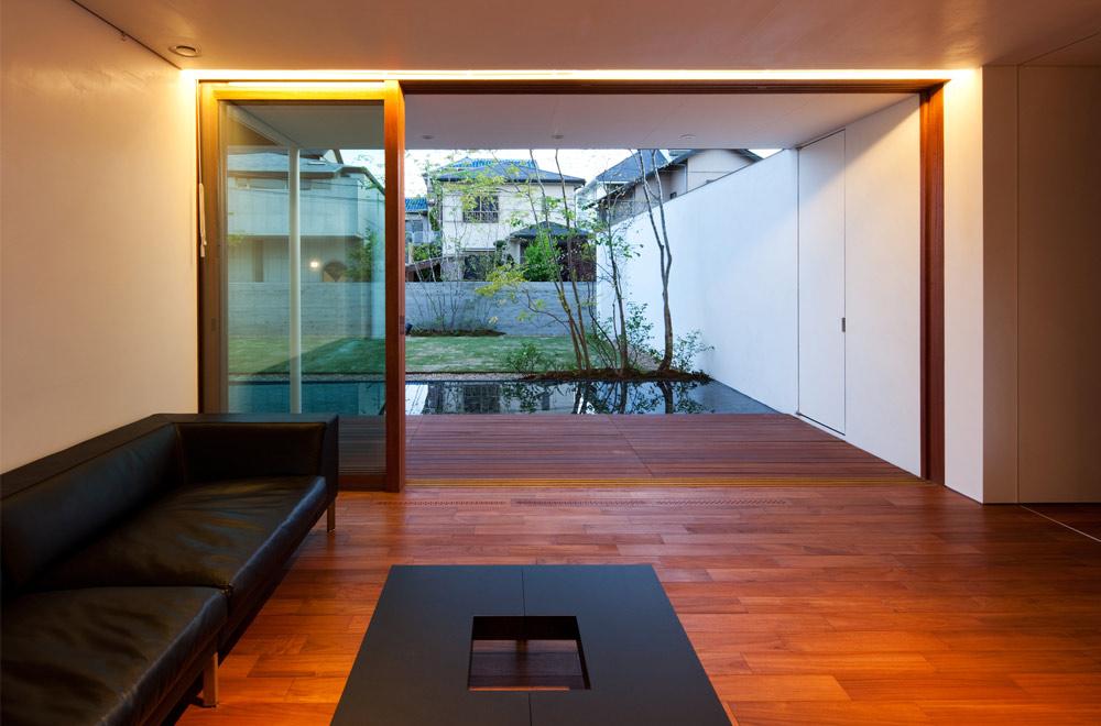 GARDEN HOUSE: Living room