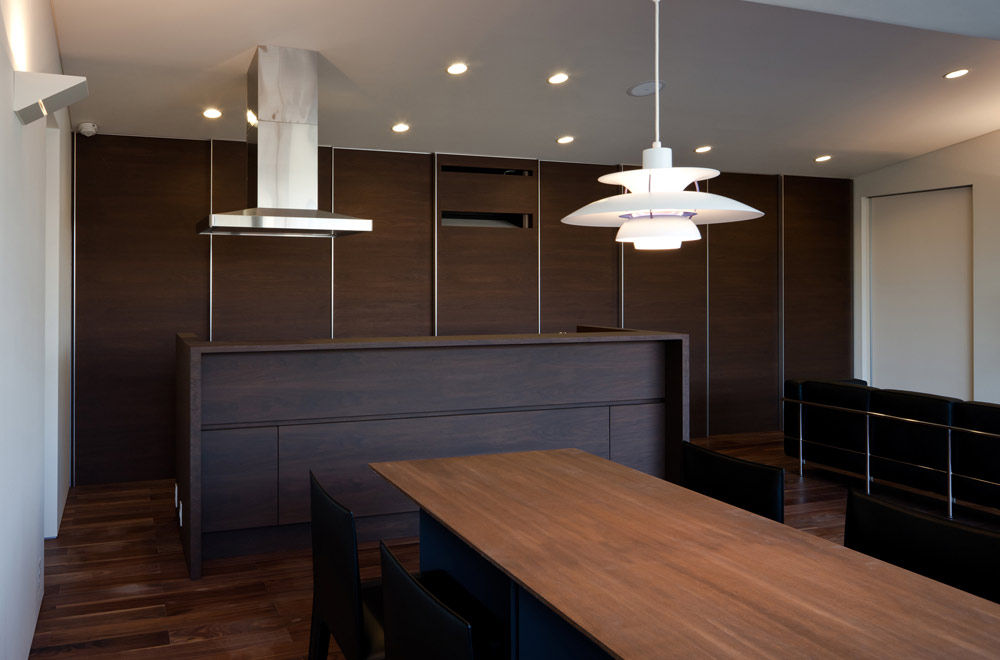 SLIT: Living room & Dining kitchen