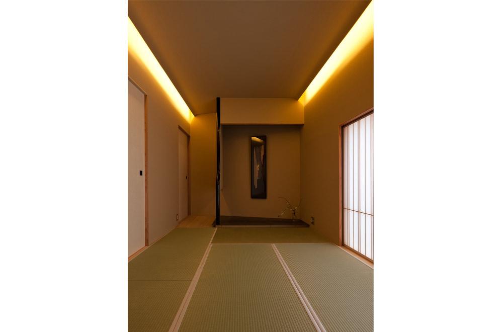SLIT: Japanese-style room