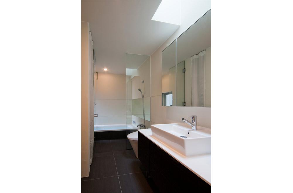TSUNAGU: Wash room
