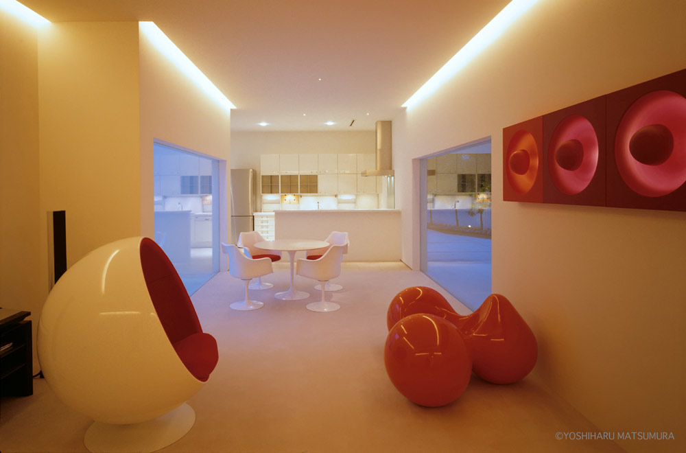LIAISON HOUSE: Living room