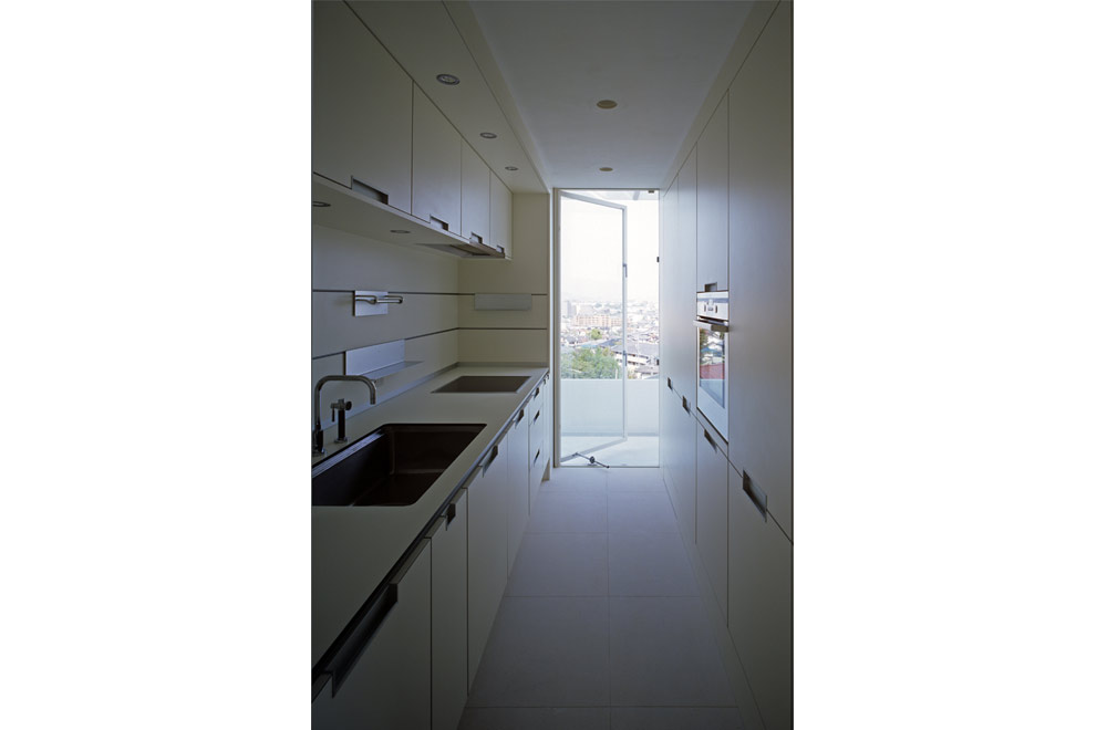 HOUSE IN MUKOYAMA: Kitchen