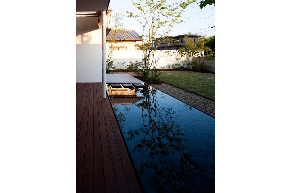 GARDEN HOUSE: Courtyard