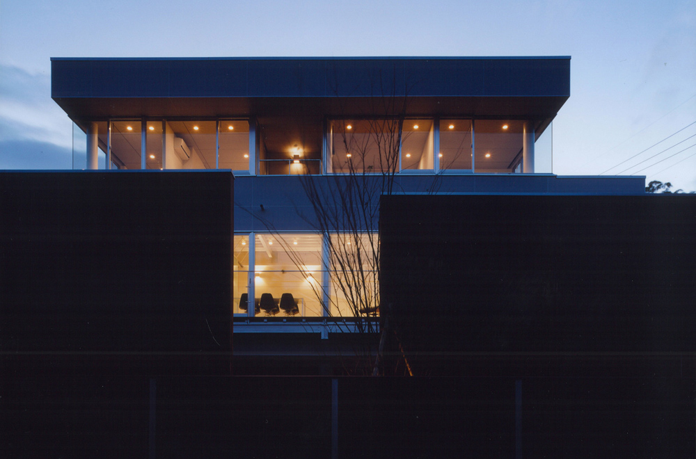 HOUSE IN TAKATSUKA: Appearance (Evening)