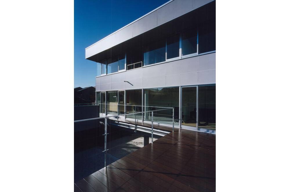 HOUSE IN TAKATSUKA: Deck terrace