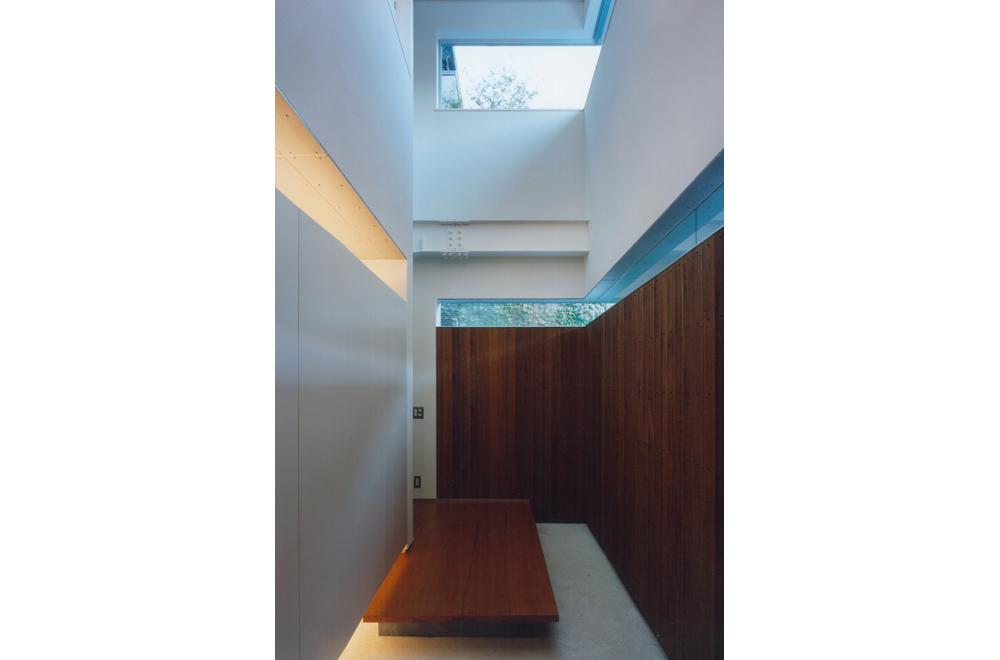 HOUSE IN TAKATSUKA: Entrance