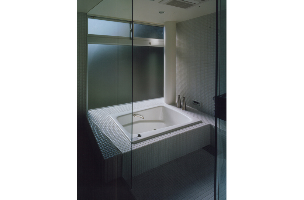 HOUSE IN TAKATSUKA: Bathroom