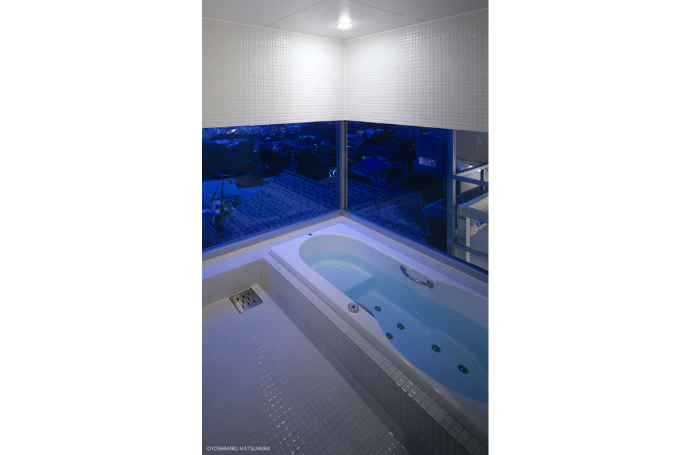 L&S: Bathroom