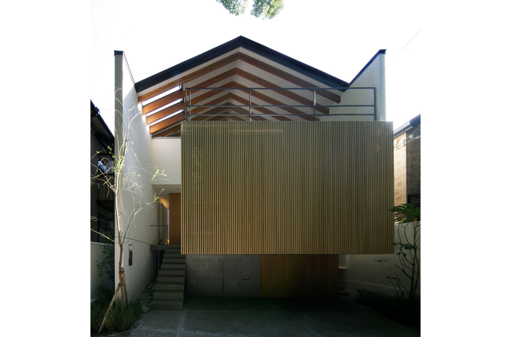 LIFE IN THE FOREST HOUSE: Facade