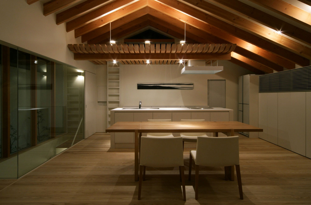 LIFE IN THE FOREST HOUSE: Dining kitchen