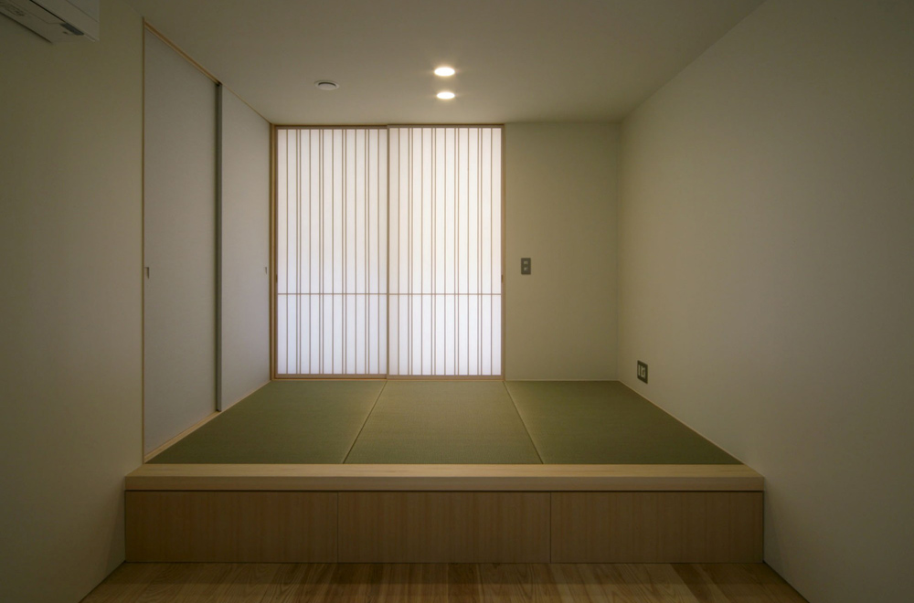 LIFE IN THE FOREST HOUSE: Japanese-style room