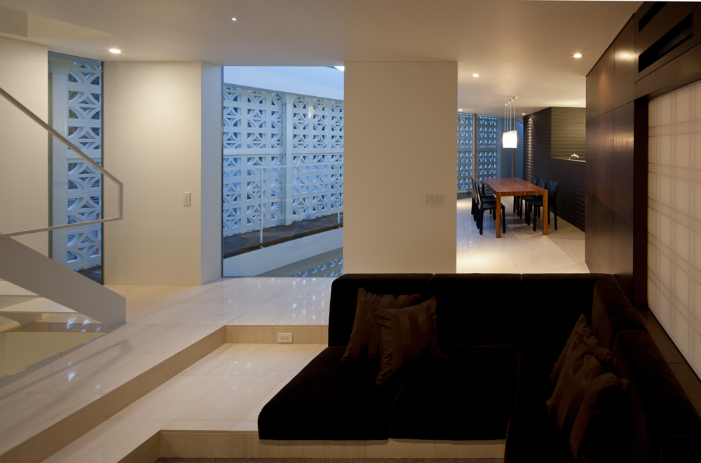 LIGHT SCREEN: Living room