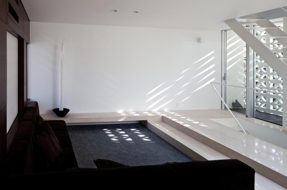 LIGHT SCREEN: Sitting-room