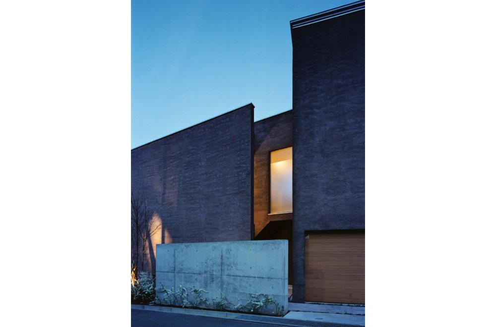 HOUSE IN HIGASHISUMA: Appearance (Evening)