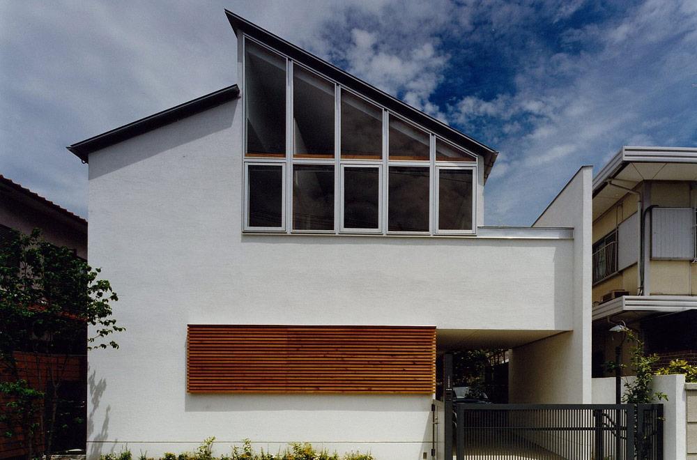 HOUSE IN TSUKAGUCHI: Facade