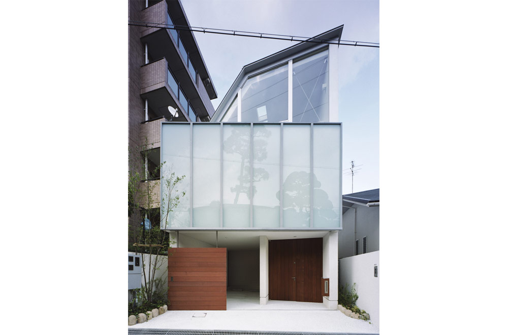 GLASS FACADE: Facade