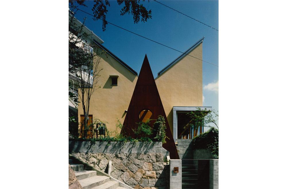 Y-HOUSE: Facade