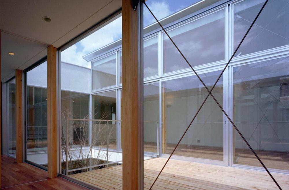 T-COURT HOUSE: Deck terrace