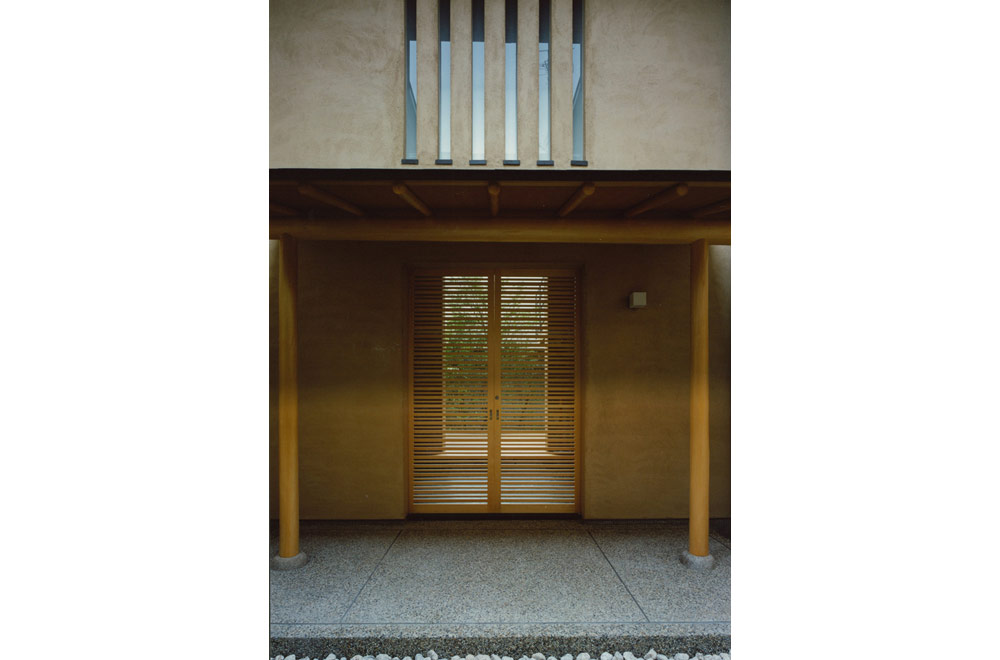 HOUSE IN KOSHIEN: Entrance