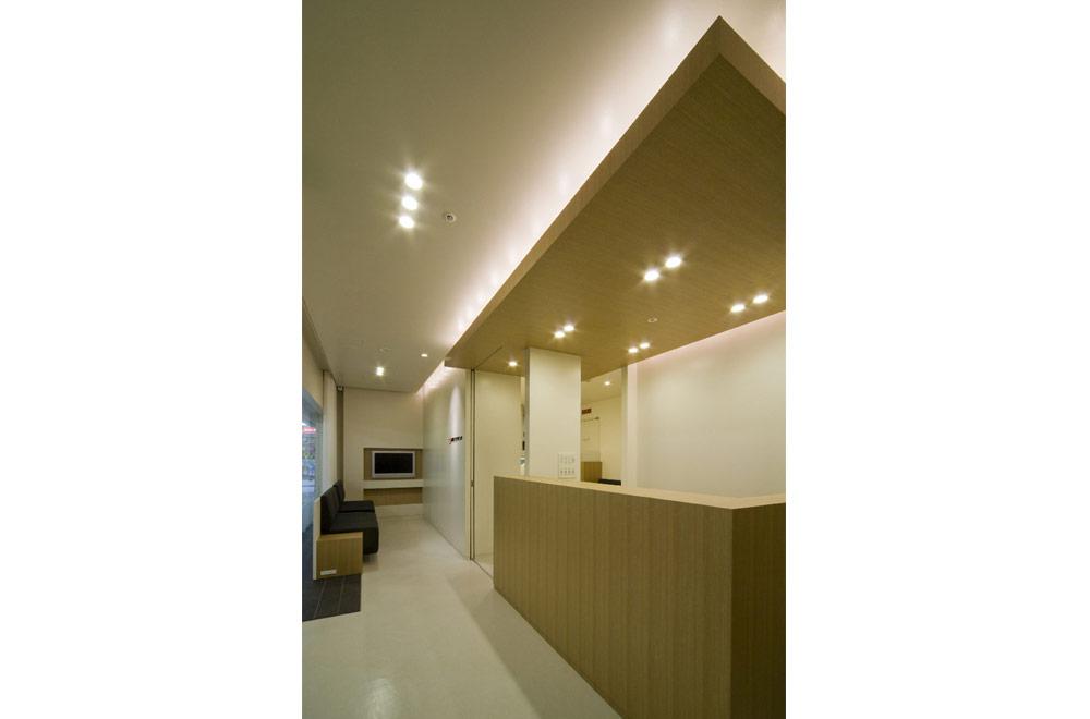 SASAKI CLINIC: Receptionist & Waiting room