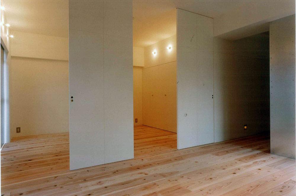 K-HOUSE: Walk in closet