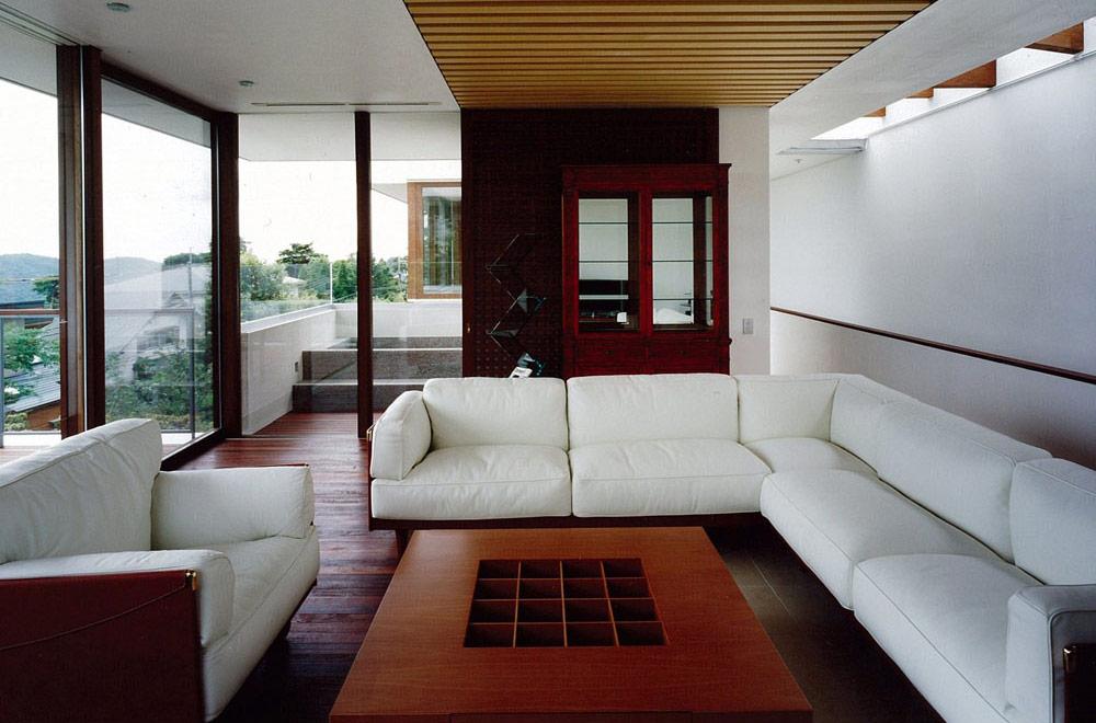 OKUIKE SUMMER HOUSE: Living room
