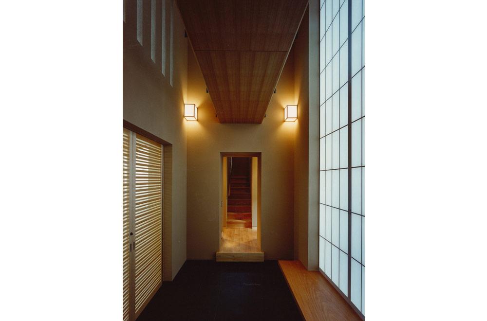 HOUSE IN KOSHIEN: Passage