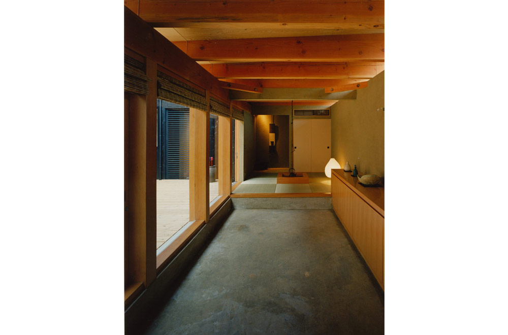 HOUSE IN SAYAMA: Entrance hall