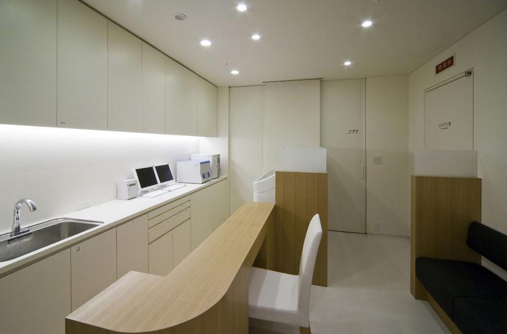 SASAKI CLINIC: Consultation room