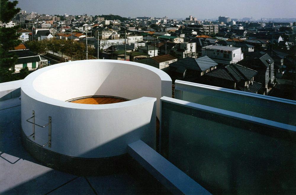ASHIYA MANIN GARDEN: Roof