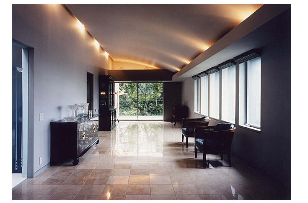 HOUSE IN SUMIYOSHIYAMATE: Living room