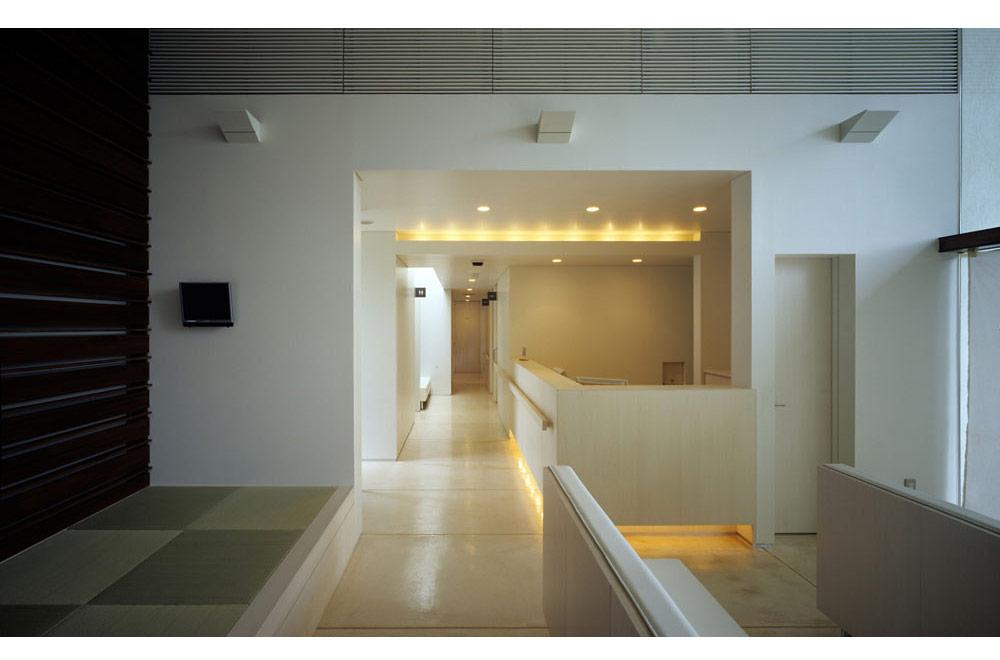 SATO CLINIC: Waiting room