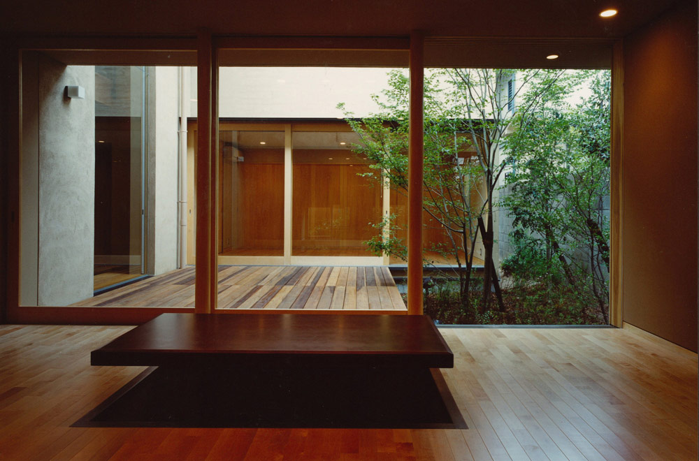 HOUSE IN KOSHIEN: Living room
