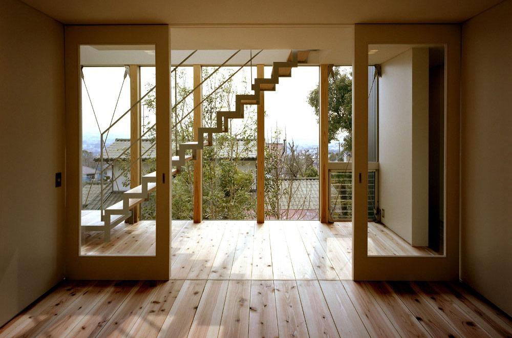 FLYING HOUSE: Living room